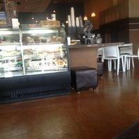 Photo taken at Lola Savannah Coffee Lounge by Pratik W. on 8/18/2013