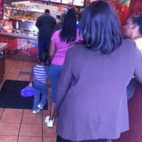 Photo taken at Popeyes Louisiana Kitchen by Alex C. on 10/9/2012