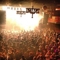 Best live music venues in barcelona travel leisure for Sala 3 apolo