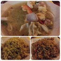 Photo taken at Sawadee Thai Seafood by Alfredo K. on 12/18/2013