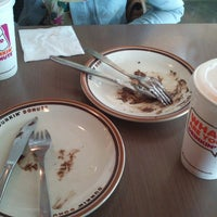 Photo taken at Dunkin Donuts by Nunu on 3/5/2014