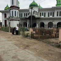 Photo taken at Masjid Al-Mubarakah by Mujib Y. on 8/8/2014