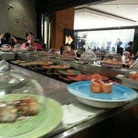 Photo taken at Nagarê Sushi by Guilherme 梅. on 2/11/2013