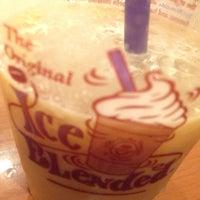 Photo taken at The Coffee Bean & Tea Leaf by Fiki S. on 3/22/2016