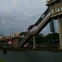 Photo taken at Halte TransJakarta Senayan JCC by Fujita N. on 9/29/2016