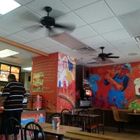 Photo taken at Popeyes Chicken by Deanne F. on 5/6/2013