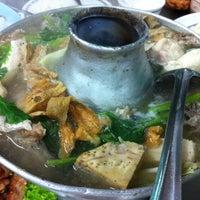Photo taken at Hua Pla Chongnonsea by Wizard B. on 12/14/2013