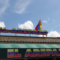 Photo taken at El Arepazo by Diógenes D. on 6/9/2013