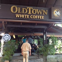 Photo taken at OldTown White Coffee by Steve C. on 6/20/2013