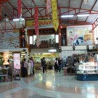 Photo taken at Vanusnun by Ronamedo N. on 7/24/2015