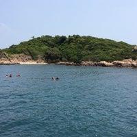 Photo taken at เกาะมันกลาง by Pinpin P. on 3/15/2014