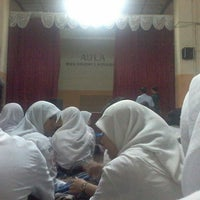 Photo taken at SMA Negeri 1 Surabaya by Iftitah I. on 2/17/2014
