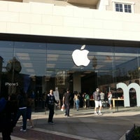Photo taken at Apple Store, The Americana at Brand by LaNiE C. on 2/18/2013