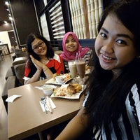 Photo taken at Solaria by Amanah F. on 2/22/2016
