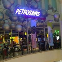 Photo taken at Petrosains by Eka A. on 11/3/2012