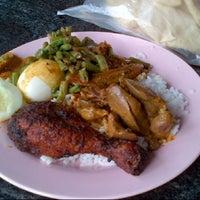 Photo taken at Restoran Vanggey by PaPa Li on 11/9/2012