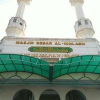 Photo taken at Masjid Agung Sagalaherang by Mohamad Ismail on 8/2/2015