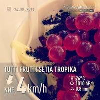 Photo taken at Tutti Frutti by Muhammad Fauzan A. on 7/24/2013