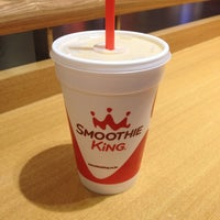 Photo taken at Smoothie King by Pilsung J. on 5/17/2014