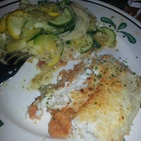 Photo taken at Olive Garden by Lena B. on 9/11/2013