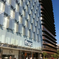 Photo taken at Fnac by Allan R. on 10/21/2011