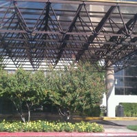 Photo taken at Hilton Sacramento Arden West by 916Maverick on 9/23/2011