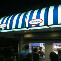 Photo taken at Ralph's Italian Ices by Angelo D. on 8/27/2011