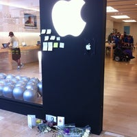 Photo taken at Apple Store, Chandler Fashion Center by Stephen J. on 10/9/2011