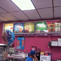 Photo taken at Carvel Ice Cream by Raul A. on 9/7/2012