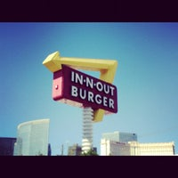 Photo taken at In-N-Out Burger by Dennis H. on 6/10/2012