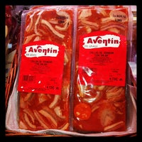 Photo taken at Embutidos Aventín by AVENTIN GRAUS L. on 9/3/2012