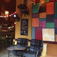 Das Foto wurde bei Chatelet Bar von Carlos L. am 7/14/2012 aufgenommen