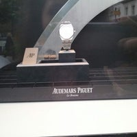Photo prise au Audemars Piguet Boutique par Isabelle C. le5/5/2012