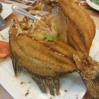 Photo taken at Banana Leaf by Jerry_dawei on 7/12/2015