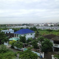 Photo taken at The Cottage Suvarnnabhumi by Kelvin N. on 7/23/2013