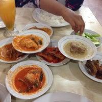 Photo taken at Restoran Kubang Hayuda by Sas A. on 7/11/2016