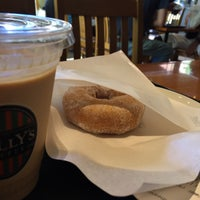 Photo taken at Tully's Coffee by Yako on 8/20/2016