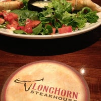 Photo taken at LongHorn Steakhouse by Bruce M. on 7/28/2013