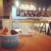 Photo taken at Wonderpots Frozen Yogurt by Jorge S. on 12/9/2013