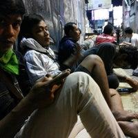 Photo taken at Mie Jakarta Pak Dono by Dimas Santoso Rahmadi on 9/25/2013