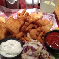Photo taken at Red Robin Gourmet Burgers by Pat T. on 5/29/2013