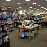 Photo taken at Barnes & Noble by Paco A. on 9/8/2013