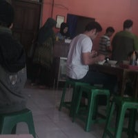 Photo taken at Bakso Kikil Seruni by Kezia G. on 7/30/2014
