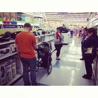 Photo taken at Babies R Us by Drew P. on 12/28/2013