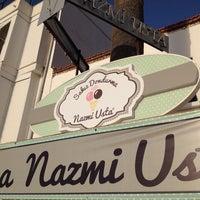 Photo taken at Meşhur Girit Sakız Dondurmacısı Nazmi Usta by Irem Y. on 8/22/2014