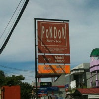 Photo taken at Pondok Service Car Wash by Aprimosunu B. on 5/30/2013