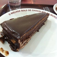 Photo taken at O Melhor Bolo de Chocolate do Mundo by Claudio G. on 1/16/2014
