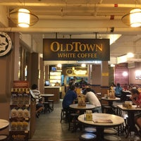 Photo taken at OldTown White Coffee by Padee A. on 10/23/2016