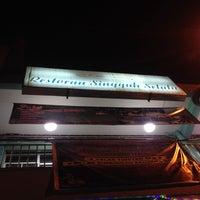 Photo taken at Restoran Singgah Selalu, Tawau by Adam S. on 2/11/2014