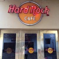 Photo taken at Hard Rock Cafe by João Carlos C. on 5/24/2012
